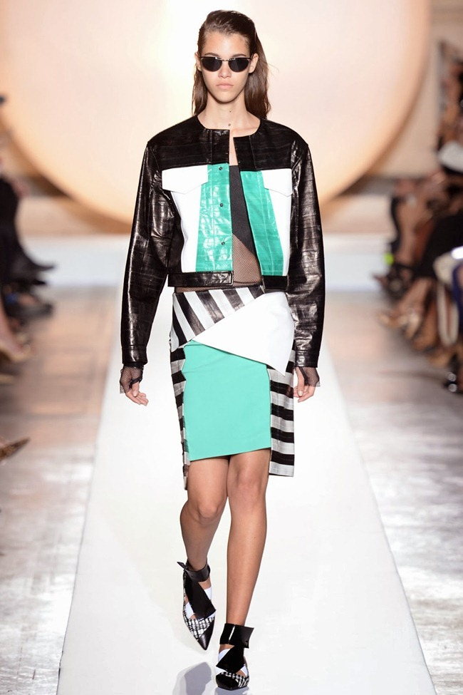 PARIS FASHION WEEK- Roland Mouret Spring 2014. www.imageamplified.com, Image Amplified (2)
