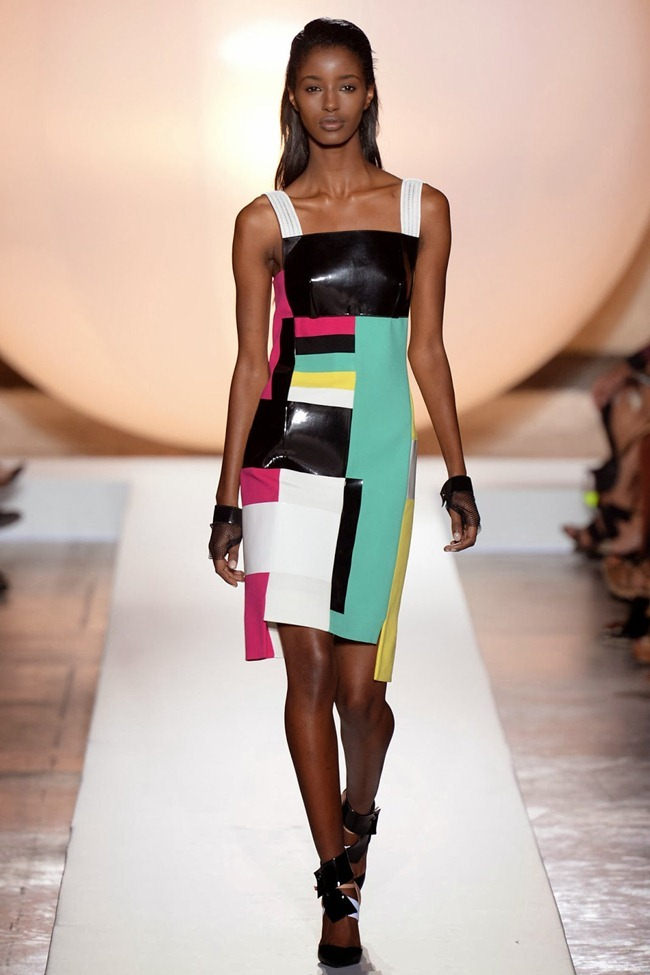 PARIS FASHION WEEK- Roland Mouret Spring 2014. www.imageamplified.com, Image Amplified (10)