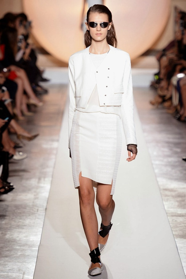 PARIS FASHION WEEK- Roland Mouret Spring 2014. www.imageamplified.com, Image Amplified (14)
