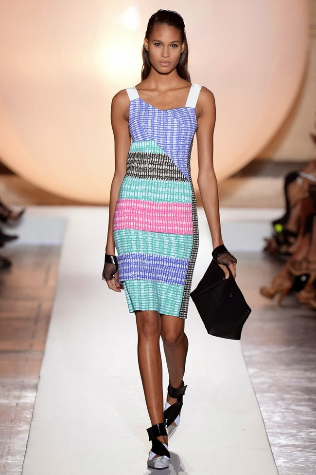 PARIS FASHION WEEK- Roland Mouret Spring 2014. www.imageamplified.com, Image Amplified (18)