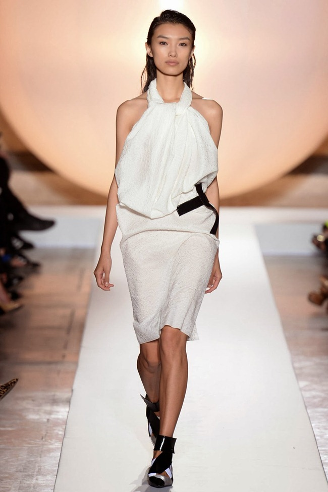 PARIS FASHION WEEK- Roland Mouret Spring 2014. www.imageamplified.com, Image Amplified (34)