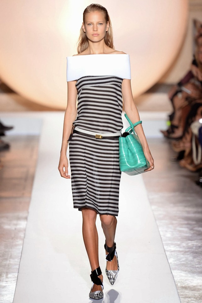 PARIS FASHION WEEK- Roland Mouret Spring 2014. www.imageamplified.com, Image Amplified (4)