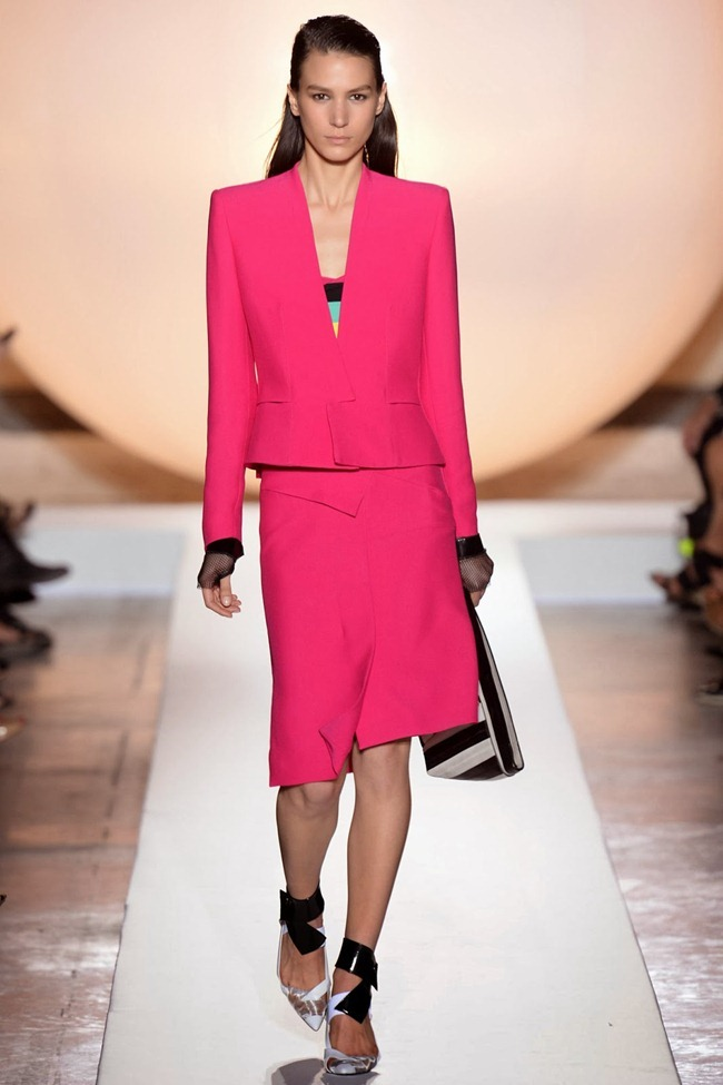 PARIS FASHION WEEK- Roland Mouret Spring 2014. www.imageamplified.com, Image Amplified (5)