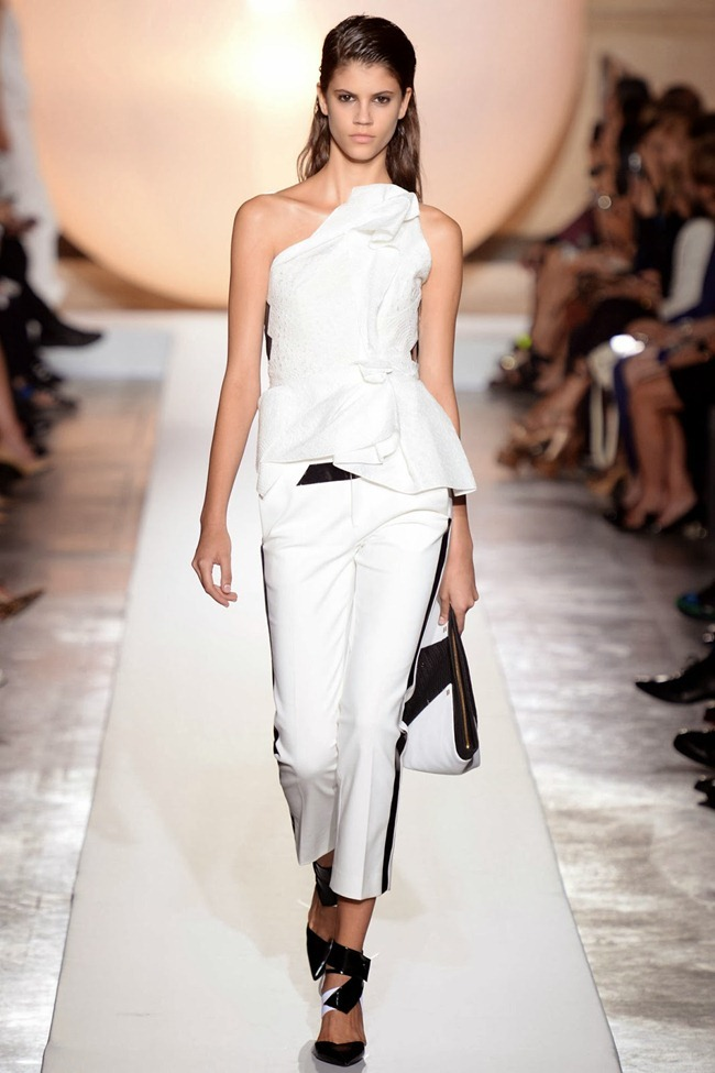 PARIS FASHION WEEK- Roland Mouret Spring 2014. www.imageamplified.com, Image Amplified (35)