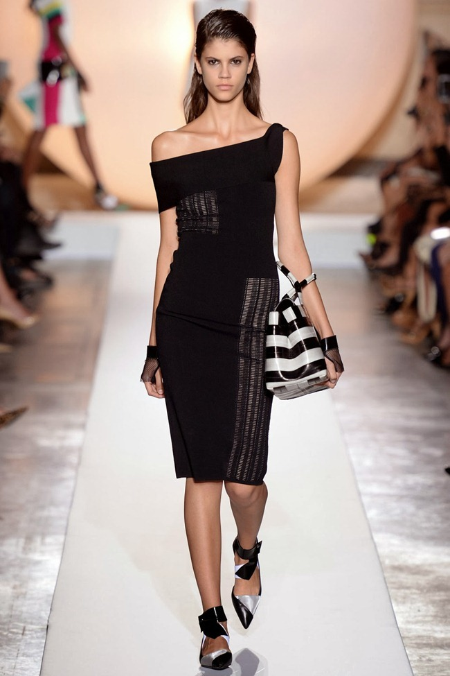 PARIS FASHION WEEK- Roland Mouret Spring 2014. www.imageamplified.com, Image Amplified (11)
