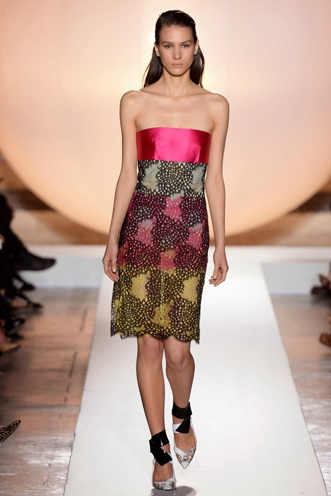 PARIS FASHION WEEK- Roland Mouret Spring 2014. www.imageamplified.com, Image Amplified (27)