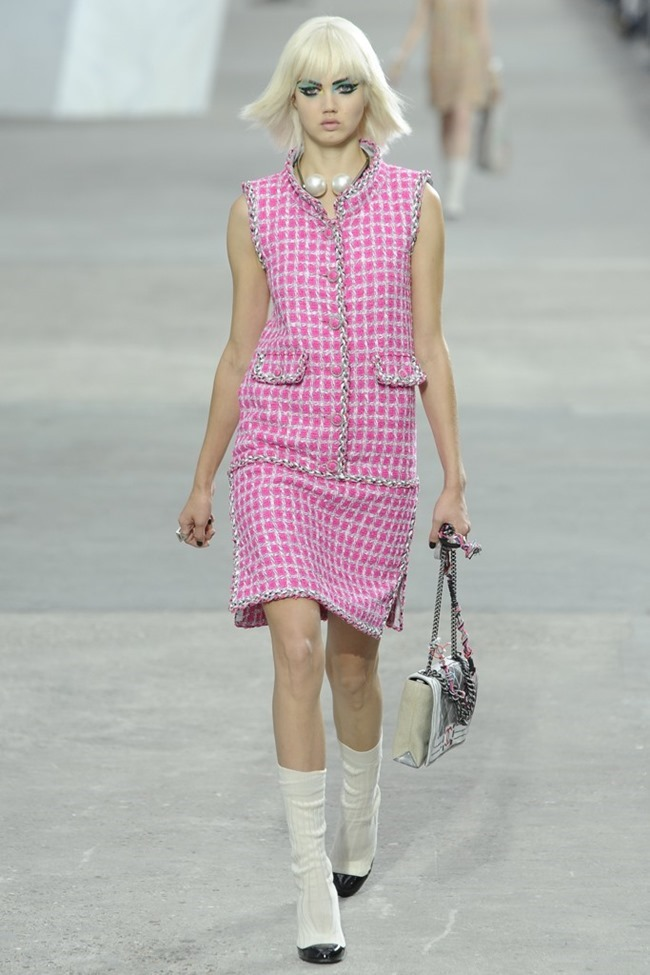 PARIS FASHION WEEK- Chanel Spring 2014. www.imageamplified.com, Image Amplified (1)