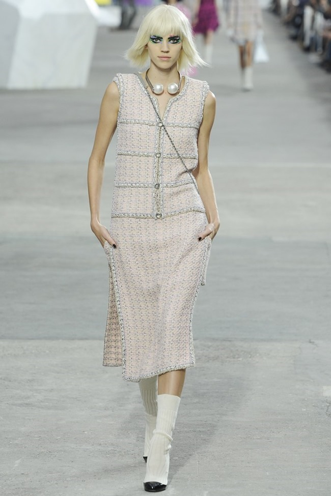 PARIS FASHION WEEK- Chanel Spring 2014. www.imageamplified.com, Image Amplified (6)