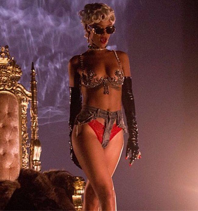 SOUND CAFFEINE: Rihanna,