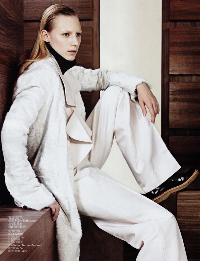 VOGUE CHINA- Julia Nobis in Simple Sporty Furs by Sharif Hamza. Tina Laakkonen, November 2013, www.imageamplified.com, Image Amplified (5)