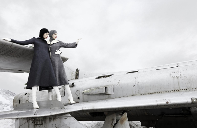 W MAGAZINE- LIndsey Wixson & Ashleigh Good in Super Fly by Emma Summerton. Giovanna Battaglia, November 2013, www.imageamplified.com, Image Amplified (1)