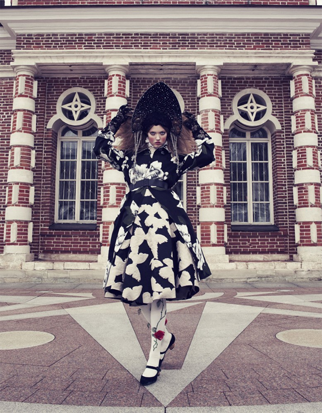 VOGUE JAPAN- LIndsey Wixson in The Anastasia of Winter by Emma Summerton. Giovanna Battaglia, December 2013, www.imageamplified.com, Image amplified (6)