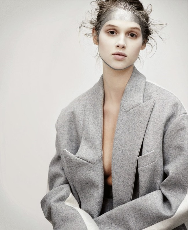 M LE MONDE- Anais Pouliot by Max Farago. November 2013, www.imageamplified.com, Image Amplified