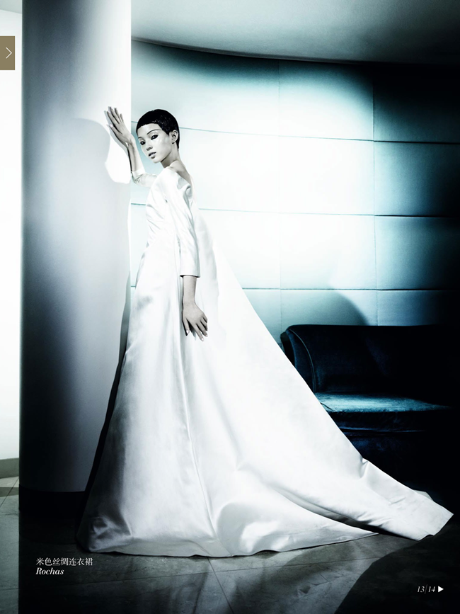 VOGUE CHINA- Xiao Wen Ju & Christopher Goh in The Winter Queen by Mario Testino. Sarajane Hoare, December 2013, www.imageamplified.com, Image Amplified (11)