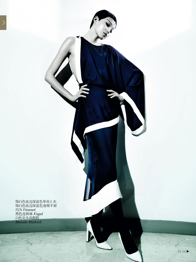 VOGUE CHINA- Xiao Wen Ju & Christopher Goh in The Winter Queen by Mario Testino. Sarajane Hoare, December 2013, www.imageamplified.com, Image Amplified (9)