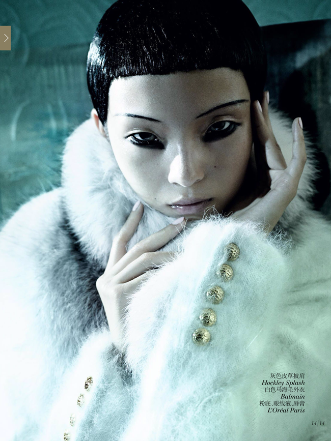 VOGUE CHINA- Xiao Wen Ju & Christopher Goh in The Winter Queen by Mario Testino. Sarajane Hoare, December 2013, www.imageamplified.com, Image Amplified (12)