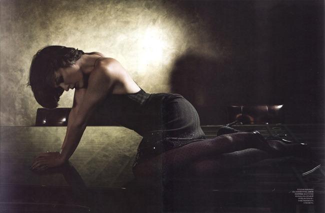HARPER'S BAZAAR RUSSIA- Milla Jovovich by Katie Bleacher & Dean Everard. Erin Walsh, December 2013, www.imageamplified.com, IMage amplified (3)