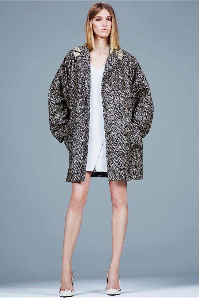 COLLECTION- Irina Nikolaeva for Versace Pre-Fall 2014. www.imageamplified.com, Image Amplified (2)