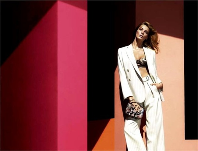 CAMPAIGN- Daria Werbowy for Salvatore Ferragamo Spring 2014 by Mert & Marcus. www.imageamplified.com, Image amplified