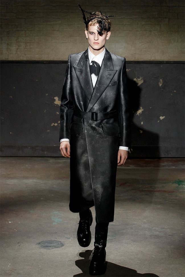 LONDON COLLECTIONS MEN- Alexander McQueen Fall 2014. www.imageamplified.com, Image Amplified (4)