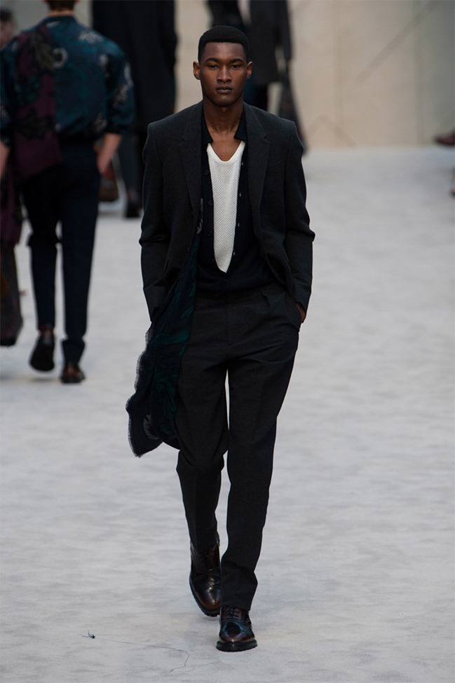 LONDON COLLECTIONS MEN Burberry Prorsum Fall 2014. www.imageamplified.com, Image Amplified (25)
