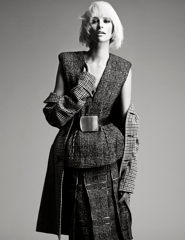 VOGUE MEXICO- Milou Van Groesen in The Grey by Mikael Schulz. Sarah Gore-Reeves, December 2013, www.imageamplified.com, Image amplified (1)