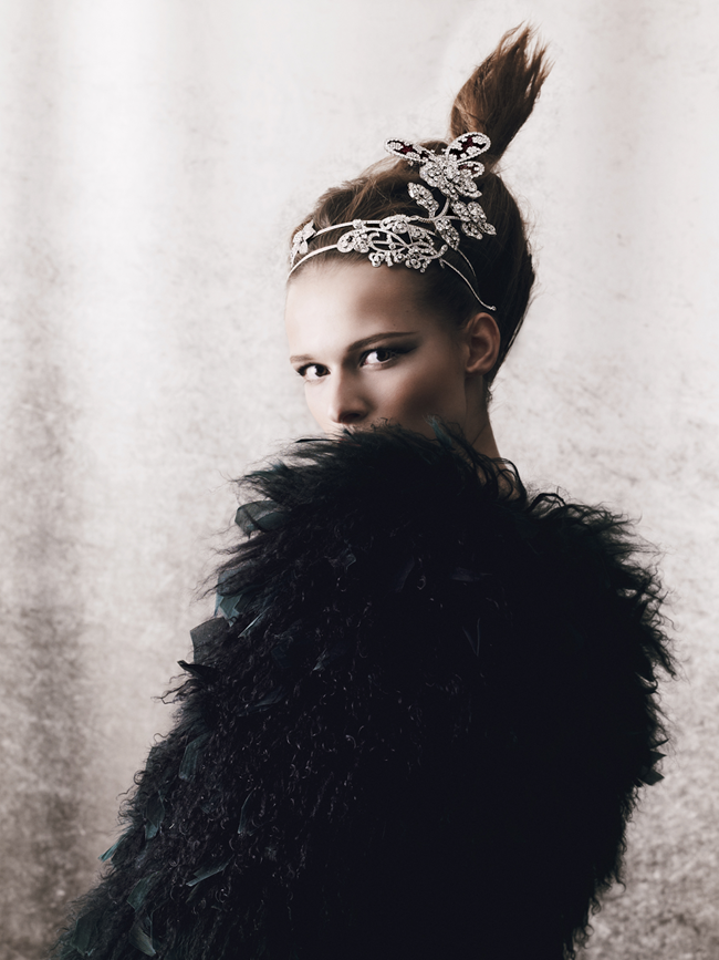 HOW TO SPEND IT MAGAZINE- Emma Oak in Jewels In The Crown by Yuvval Hen. Damian Foxe, Fall 2013, www.imageamplified.com, Image Amplified (1)