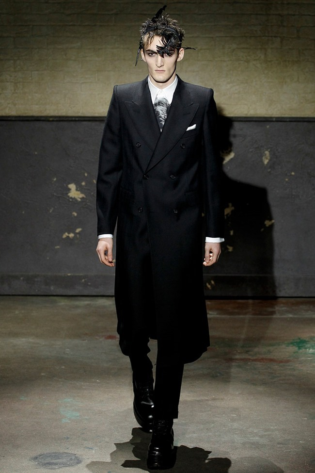 LONDON COLLECTIONS MEN- Alexander McQueen Fall 2014. www.imageamplified.com, Image Amplified (1)