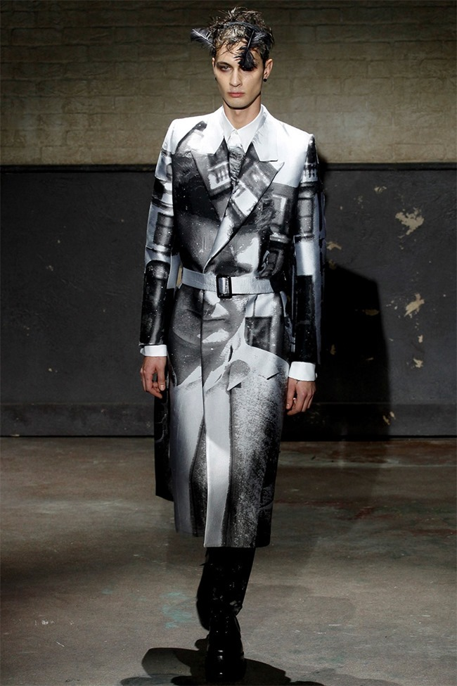 LONDON COLLECTIONS MEN- Alexander McQueen Fall 2014. www.imageamplified.com, Image Amplified (2)