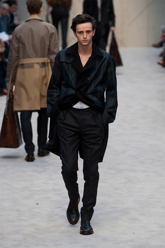 LONDON COLLECTIONS MEN Burberry Prorsum Fall 2014. www.imageamplified.com, Image Amplified (37)