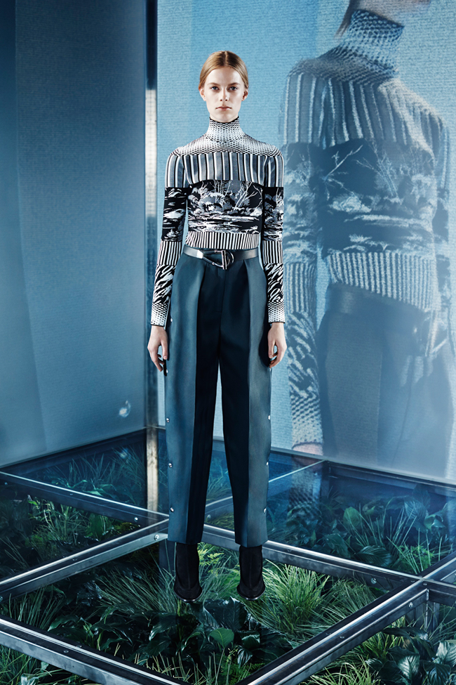 COLLECTION Lexi Boling, Kasia Jujeczka, Zuzu & Anna Ewers for Balenciaga Pre-Fall 2014. www.imageamplified.com, Image amplified (11)