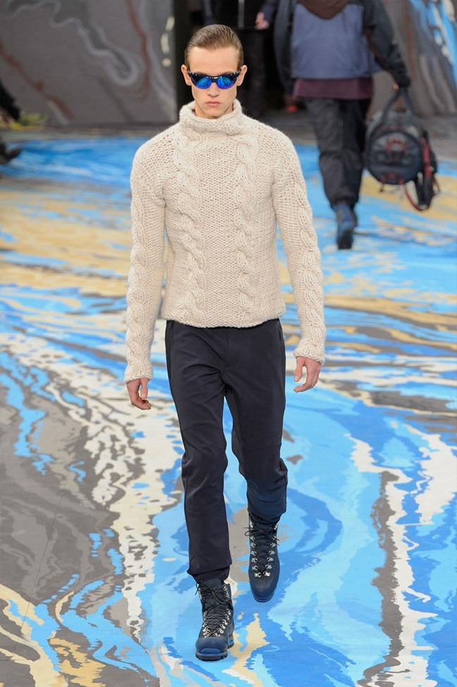 PARIS FASHION WEEK Louis Vuitton Menswear Fall 2014. www.imageamplified.com, Image Amplified (38)
