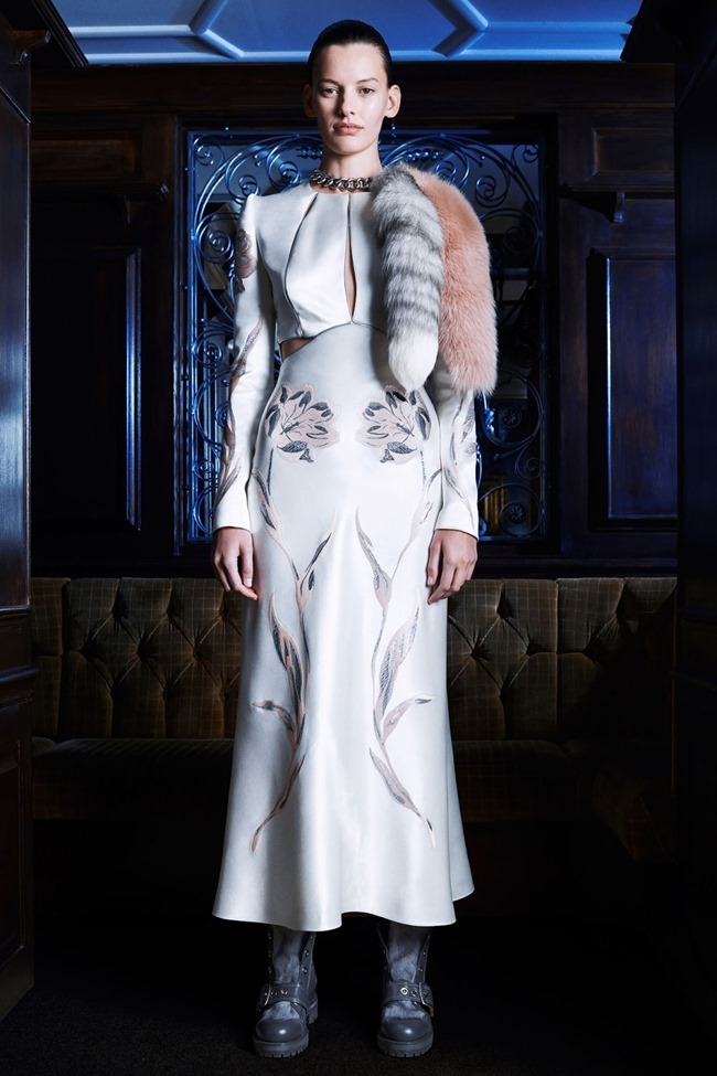 COLLECTION Amanda Murphy for Alexander McQueen Pre-Fall 2014. www.imageamplified.com, Image Amplified (7)