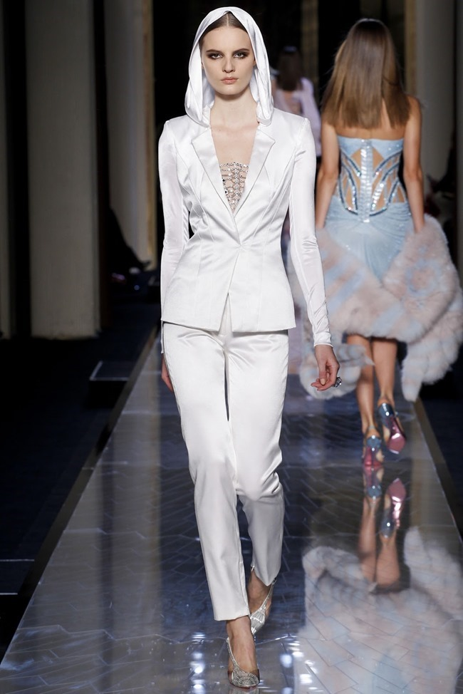 PARIS HAUTE COUTURE Atelier Versace Spring 2014. www.imageamplified.com, Image Amplified (22)