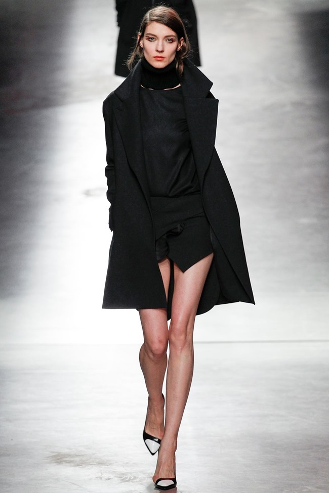 PARIS FASHION WEEK Anthony Vaccarello Fall 2014. www.imageamplified.com, Image Amplified (20)