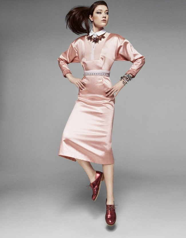 VOGUE CHINA Yumi Lambert in A Twist of Pink by Greg Kadel. Bobette Cohn, March 2014, www.imageamplified.com, Image Amplified (4)