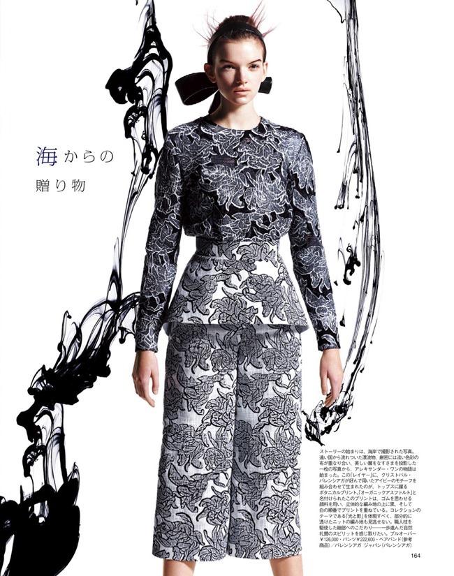 SPUR MAGAZINE Eva Klimkova & Ella Merryweather in Love Earth, Love Mode by Makoto Nakagawa. Miyuki Uesugi, April 2014, www.imageamplified.com, Image Amplified (9)