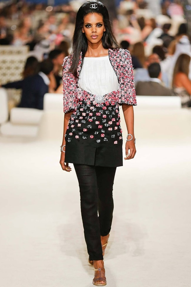 COLLECTION Chanel Cruise 2015 Dubai. www.imageamplified.com, Image Amplified (30)