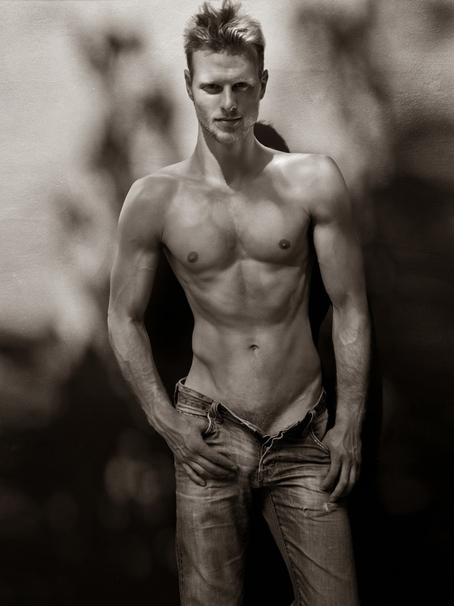 MASCULINE DOSAGE Luis Kelling by Tony Duran. Spring 2014, www.imageamplified.com, Image Amplified (4)