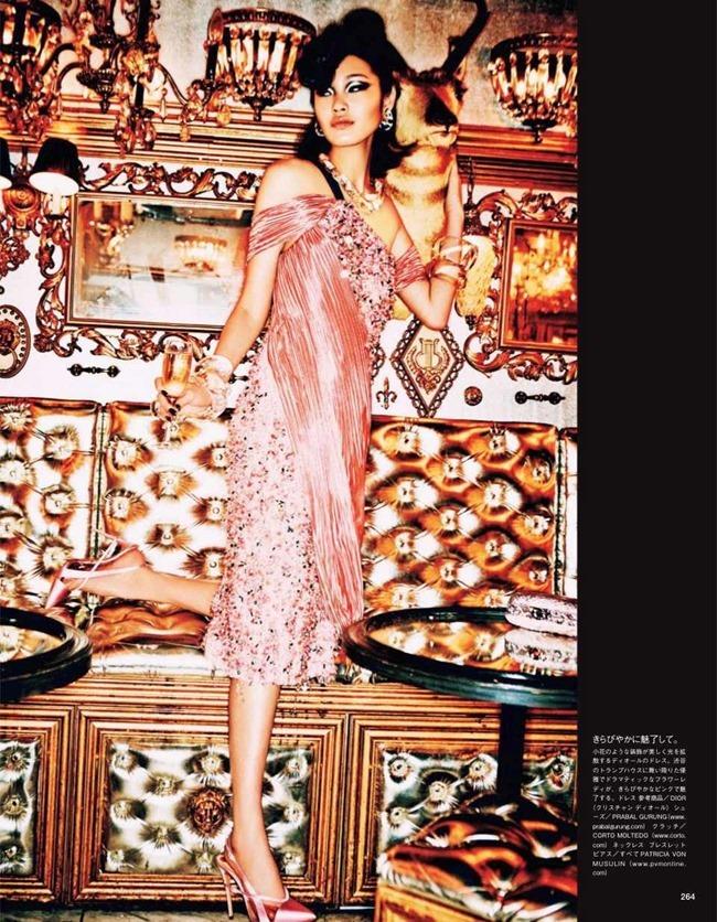 VOGUE JAPAN Tokyo Neon Girls by Ellen von Unwerth. Elizabeth Sulcer, July 2014, www.imageamplified.com, Image amplified (6)