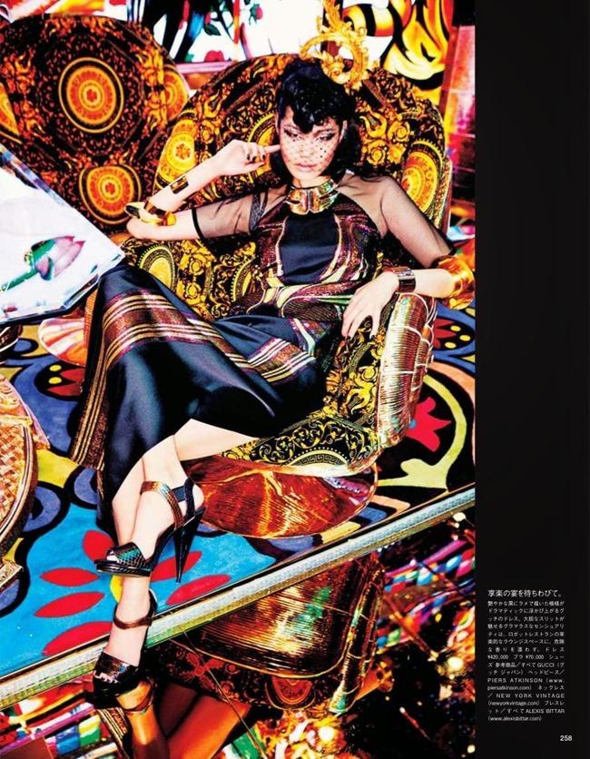 VOGUE JAPAN Tokyo Neon Girls by Ellen von Unwerth. Elizabeth Sulcer, July 2014, www.imageamplified.com, Image amplified (12)