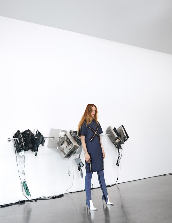 W MAGAZINE Raquel Zimmermann in Art Walk by Willy Vanderperre. Edward Enninful, July 2014, www.imageamplified.com, Image Amplified (27)