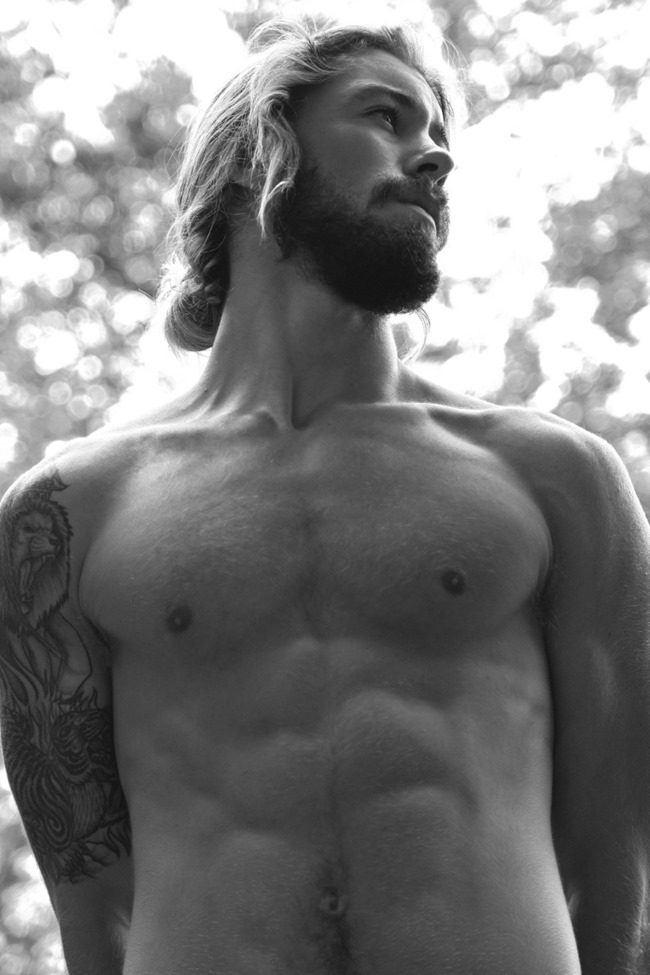MASCULINE DOSAGE Austin Davis by Thomas Synnamon. Summer 2014, www.imageamplified.com, Image Amplified (5)