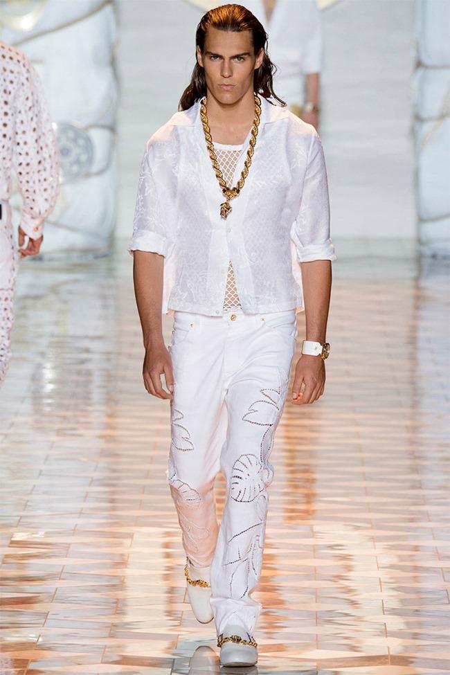 MILAN FASHION WEEK Versace Spring 2015. www.imageamplified.com, Image Amplified (16)