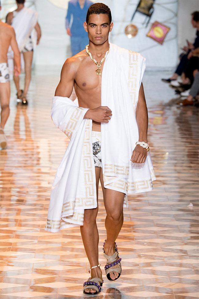MILAN FASHION WEEK Versace Spring 2015. www.imageamplified.com, Image Amplified (25)