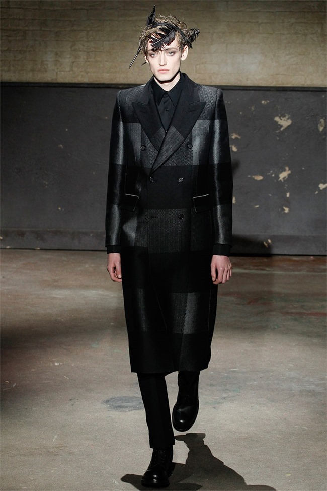 LONDON COLLECTIONS MEN- Alexander McQueen Fall 2014. www.imageamplified.com, Image Amplified (8)