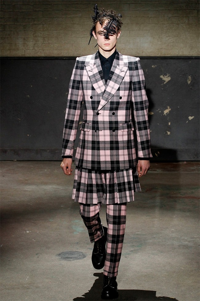 LONDON COLLECTIONS MEN- Alexander McQueen Fall 2014. www.imageamplified.com, Image Amplified (14)