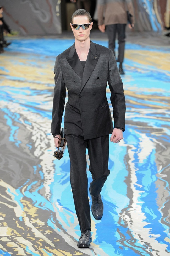 PARIS FASHION WEEK Louis Vuitton Menswear Fall 2014. www.imageamplified.com, Image Amplified (12)