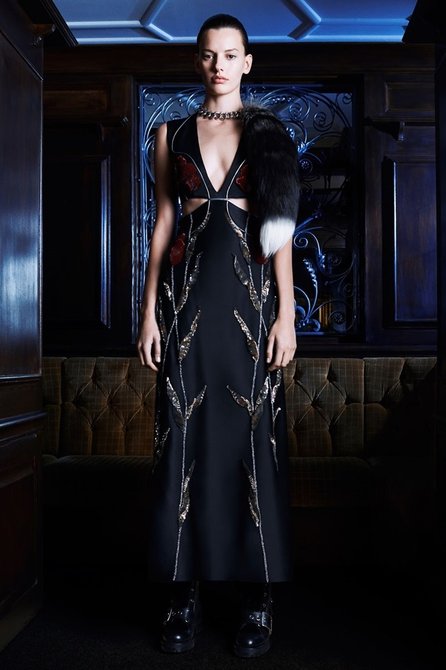 COLLECTION Amanda Murphy for Alexander McQueen Pre-Fall 2014. www.imageamplified.com, Image Amplified (12)