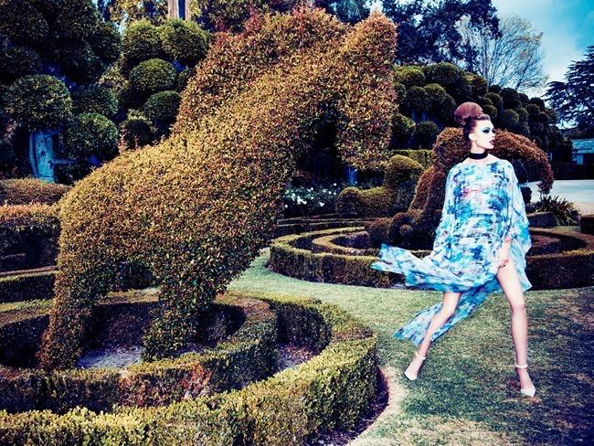 VOGUE ITALIA Frida Gustavsson, Tanya Katysheva & Wylie Hays by Ellen von Unwerth. Elizabeth Sulcer, February 2014, www.imageamplified.com, Image Amplified (5)